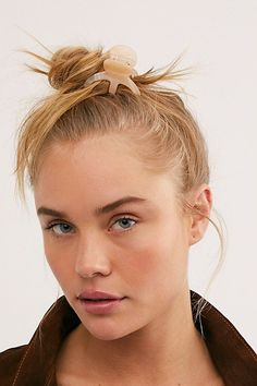 Click through the gallery to find out exactly what slugging is and what it can do for your skin. Beach Color, Hair Claw, Pocket Detail, Top Knot, Korean Beauty, Hair Inspo, Claws, Healthy Skin, Beauty Women