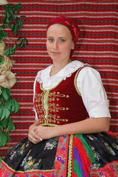 Sárközi Népviselet - Dunántúl Folk Costume, Costumes, Folk Dance, Hungary, Flower Patterns, Techno, Folk Art, Art Decor, Little Girls