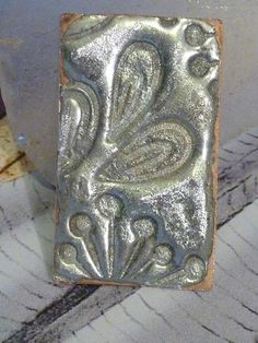 Top 11 Stained Glass Soldering Tips - Learn How to Solder Glass Art - Tools And Tricks Club Fabrication Metal, Soldering Jewelry, Soldering Iron, 3d Laser, Metal Crafts, Metal Clay, Metal Jewelry, Jewlery, Bullet Jewelry