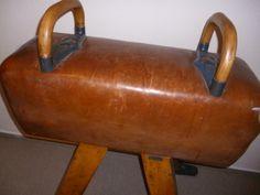 Pauschenbock von 1930, Turngerät, Pauschenpferd, vintage pommel horse, Turnpferd, historische Turngeräte