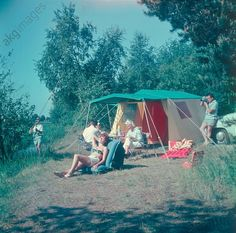 Zelten in der DDR / Werbefoto/ 1962 East Germany, Akg, Socialism, Growing Up, Dolores Park, The Past, Childhood, Camping, Memories