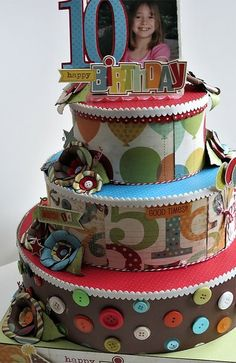 cake centerpiece, could use hat boxes to hold presents too