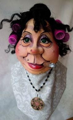 Sculptures Céramiques, Sculpture Clay, Paper Mache Crafts, Clay Crafts, Paint Brush Art, Halloween Canvas, Sculpting Tutorials, Mannequin Art, Puppet Patterns