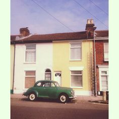 Pretty little house in Portsmouth. Liked the colours in this picture! #vintage #car #portsmouth #view #retro #pretty
