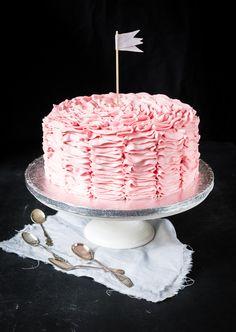 Röyhelökakku // Pink ruffle cake Food & Style Emma Iivanainen, Painted By Cakes Photo Emma Iivanainen www. Pink Ruffle Cake, Cupcake Cakes, Cupcakes, Baking, Sweet, Desserts, Painting, Food, Cake Ideas