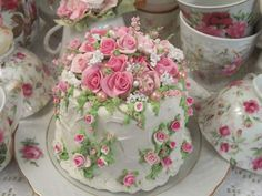 (Cornelia Rose) Funky Junk Cake