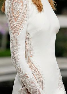 Wedding dress with gorgeous details that absolutely breathtaking These amazing 49 Wedding dresses with gorgeous details that absolutely breathtaking you'll have to see – heavy embellishment wedding dress Cream Wedding Dresses, Different Wedding Dresses, Western Wedding Dresses, Stunning Wedding Dresses, Wedding Dresses Photos, Luxury Wedding Dress, Unique Dresses, Boho Wedding Dress, Bridal Dresses