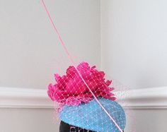 Turquoise Pink Fascinator - Wedding Guest Hat - Ladies Day Hat - Racing Hat - Edit Listing - Etsy Wedding Hats For Guests, Pink Fascinator, Hat Party, Pink Turquoise, Headpieces, Ladies Day, 4th Of July Wreath, Raspberry, Racing