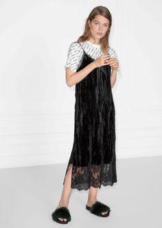 & Other Stories image 2 of Wrinky Velvet Dress in Black