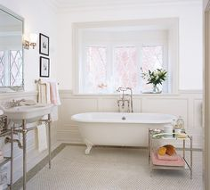 Browse kitchens, bedrooms, bathrooms, living rooms and more painted in Benjamin Moore's Cloud White. Get Cloud White decorating ideas and more.