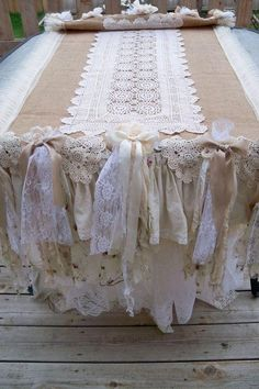 Long burlap runner or table cloth with white lace - great shabby chic wedding or white party table idea Shabby Chic Tablecloth, Burlap Tablecloth, Tablecloths, Tablecloth Ideas, Tablecloth Inspiration, Burlap Curtains, Table Linens, Burlap Projects, Burlap Crafts