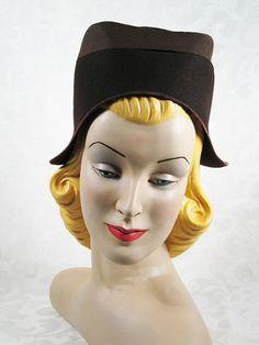 SALE Vintage 1930s 30s Hat Brown Felt Dutch door alleycatsvintage, $29.00