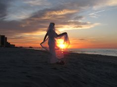 """Beach Wedding.. (Bride at Sunrise) Getting Married at sunrise is """"Priceless"""" Yes, I did this <3"""
