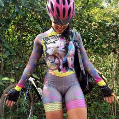 ― Danelly Braga🔹さん( 「Sei explicar essa pose minha não, acho que era pra mostrar a sujeira que a pessoa aqui estava,…」 Cycling Wear, Cycling Girls, Cycling Outfit, Cycle Chic, Triathlon, Bicycle Girl, Biker Girl, Sport Girl, Women