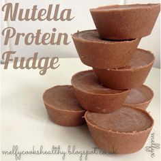 These taste so much like Nutella or a Ferrero Rocher! Ingredients Makes 9 cups 3 tablespoons natural hazelnut butt. Healthy Homemade Snacks, Healthy Treats, Healthy Desserts, Healthy Cooking, Healthy Eating, Healthy Fudge, Healthy Food, Clean Eating, Nutella Fudge