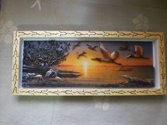 quadro em arte francesa,com cenário de madeira em mdf,acabamento com textura e vidros de proteção. R$ 320,00