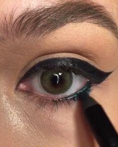 Simple Eye Makeup - Care - Skin care , beauty ideas and skin care tips Smoky Eye Makeup, Simple Eye Makeup, Makeup For Green Eyes, Skin Makeup, Black Eyeliner Pencil, Thick Eyeliner, Best Eyeliner, Eyeliner Tutorial, Maquillage Halloween