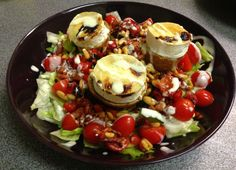salade met warme geitenkaas I Want Food, Cobb Salad, Acai Bowl, Good Food, Low Carb, Lunch, Chicken, Vegetables, Breakfast