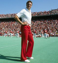 Legendary Husker Coach Tom Osborne, I want that style to come back!