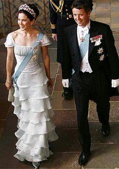 Crown Prince Frederik and Crown Princess Mary of Denmark (© Reuters) Princess Marie Of Denmark, Princess Alexandra, Royal Princess, Crown Princess Mary, Prince And Princess, Casa Real, Danish Prince, Royal Monarchy, Prince Frederick