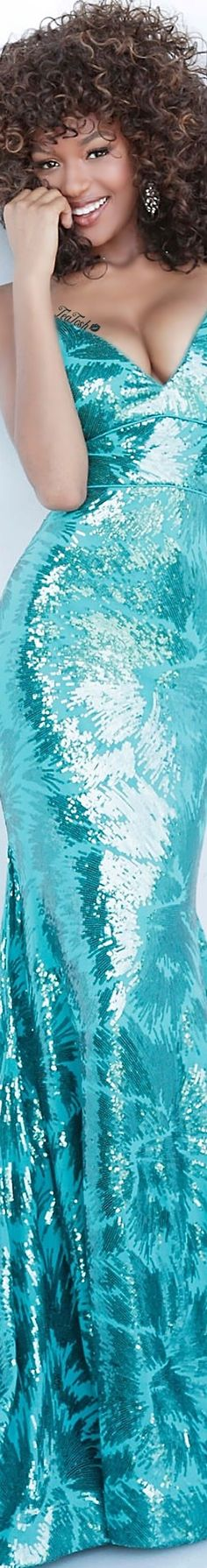 Evening Dresses, Formal Dresses, Shades Of Turquoise, High End Fashion, Play Dress, Tiffany Blue, Merry And Bright, Black Beauty, Playing Dress Up