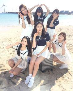 ˗ˏˋ ♡ @ e t h e r e a l _ ˎˊ˗ Kpop Girl Groups, Korean Girl Groups, Kpop Girls, Asian Woman, Asian Girl, Gfriend Album, Sinb Gfriend, Korean Best Friends, Bubblegum Pop