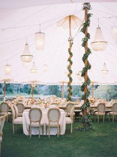 Cómo decorar tu boda con guirnaldas de flores: La tendencia que arrasará Image…