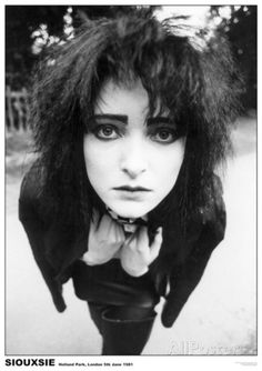 """""""Hey you look at you don't you look like Siouxsie Sioux how long'd it take you to get that way? What a terrible waist of energy! Siouxsie Sioux, Siouxsie & The Banshees, Karen Elson, 80s Goth, Punk Goth, Steam Punk, Darkside, Holland Park, Look Man"""