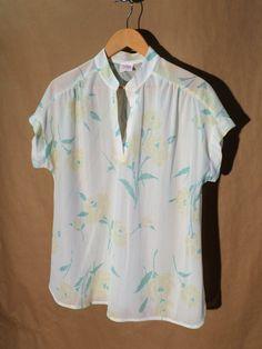 Womens Vintage Graff Short Sleeve Blouse - White - V-Neck Floral - Spring - Women's Shirt - Large by DOINGITSOBER on Etsy