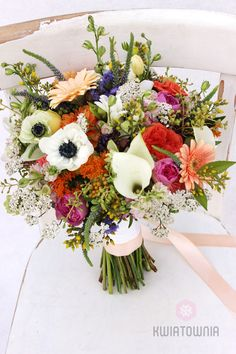 #kwiatownia #bouquet #bridal #bride #bridesmaid #slub #wesele #bridalbouquet #flowers #flowerinspirations #inspirations #weedingday #floral #art #design Weeding, Bouquets, Bridesmaid, Table Decorations, Bridal, Floral, Flowers, Design, Home Decor