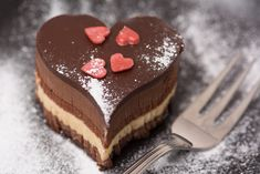 Heart shape chocolate cake - close up and shallow depth of field Valentines Day Food, Valentines Baking, Valentine Cake, Mini Cheesecake, Decadent Chocolate Cake, Baking Classes, Small Desserts, Bakery Recipes, Special Recipes
