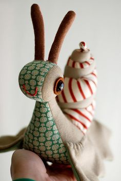 Inspiration: Super cute plush snail by Maritza Soto aka cynicthelamb @ etsy (image from her flickr).