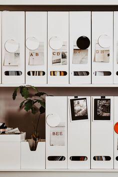 Creating order on the desk: 10 tips for more organization - workspace - Craft Diy Organizer, Hack Ikea, Lego Desk, Coffee Desk, Office Organization At Work, Kitchen Organization, Hemnes, Apartment Kitchen, Malm