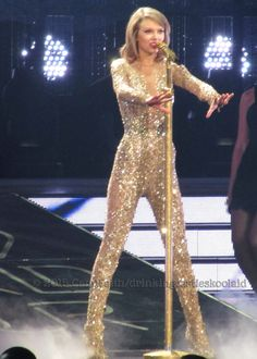 Taylor Swift | 1989 World Tour - Omaha, Nebraska | October 10, 2015