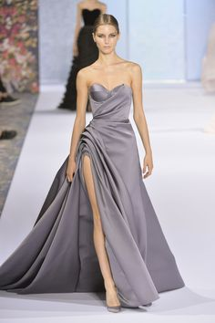 Ralph & Russo Couture, Fall 2016 - The Most Extraordinary Dresses at Paris Couture Week Fall 2016 - Photos Style Haute Couture, Couture Fashion, Runway Fashion, Couture Week, Elie Saab, Elegant Dresses, Pretty Dresses, Fall Formal Dresses, Fashion Week