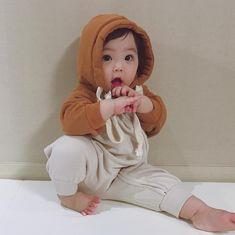 277 Me gusta, 48 comentarios - (eunseolmom_) en quot; Cute Baby Boy, Cute Little Baby, Little Babies, Cute Kids, Baby Kids, Cute Asian Babies, Korean Babies, Asian Kids, Baby Park