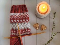 Knitting Socks, Knitted Hats, Granny Square Sweater, Lots Of Socks, Knit Crochet, Crochet Hats, Knitting Patterns, Diy Projects, Diy Crafts