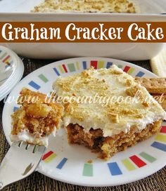 Graham Cracker Cake Recipes Graham Cracker Cake is a heritage recipe that has been a family-favorite for generations. An amazingly moist homemade cake with a delicious cream frost. Köstliche Desserts, Delicious Desserts, Dessert Recipes, Yummy Food, Sweet Desserts, Frosting Recipes, Cupcake Recipes, Graham Cracker Cake, Graham Cake