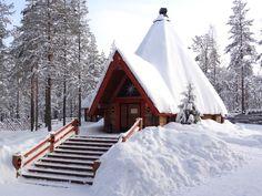 Restaurante Lapón Kotahovi en la Aldea de Papá Noel en Rovaniemi, Laponia.