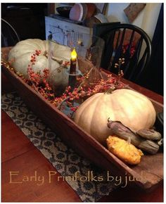 Beautiful fall decoration, early primfolks by judy