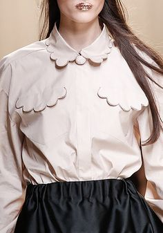 Buttonless shirt with scalloped collar & pocket detail; sewing idea; fashion design detail // Fendi Spring 2017