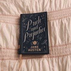 Pride and Prejudice Jane Austen Good Books, Books To Read, My Books, Pride And Prejudice Book, Book Aesthetic, Classic Books, Classic Literature, Book Photography, Love Book