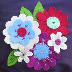 Trousse bohème - Fleurs de feutrine