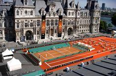 La Terrasse de Roland Garros dans la ville, du parvis de l'Hôtel de ville