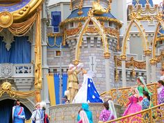 """Cinderellabration""castle stage show (2005-2006)"