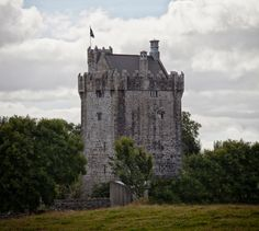 Private room in Galway, IE. A beautiful, original medieval castle experience can be yours for a weekend, a week, or even longer. You'll be staying in the master bedroom, the highest room in the castle. This castle has been restored to its original state by using traditional...