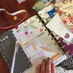 First half of the week in my #happyplanner @meandmybigideas  A very eclectic style and perhaps a bit messy but I love it.  . . #planitdoit #planmylife #lotstodo