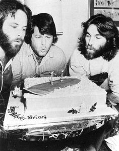 Carl, Brian and Dennis Wilson (of The Beach Boys) Brian Wilson, Carl Wilson, The Beach Boys, Music Icon, My Music, Surf Music, Music Life, Wilson Brothers, Celebrity Siblings