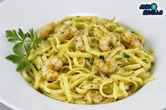 Tallarines o espaguetis con gambas al ajillo Ana Sevilla olla GM. Pasta Recipes, Cooking Recipes, Empanadas, Tapas, Cooker, Seafood, Spaghetti, Good Food, Food And Drink