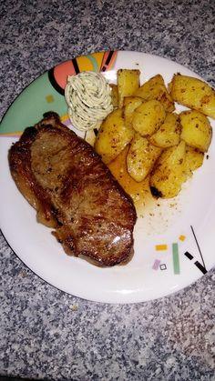 Rump steak, medium, with guaranteed success, a very tasty recipe with a picture from the beef catego Grilled Pork Steaks, Rinder Steak, Fleischkuechle Recipe, Tasty Recipe, Sin Gluten, Tofu, Spareribs, Pork Chops, Carne